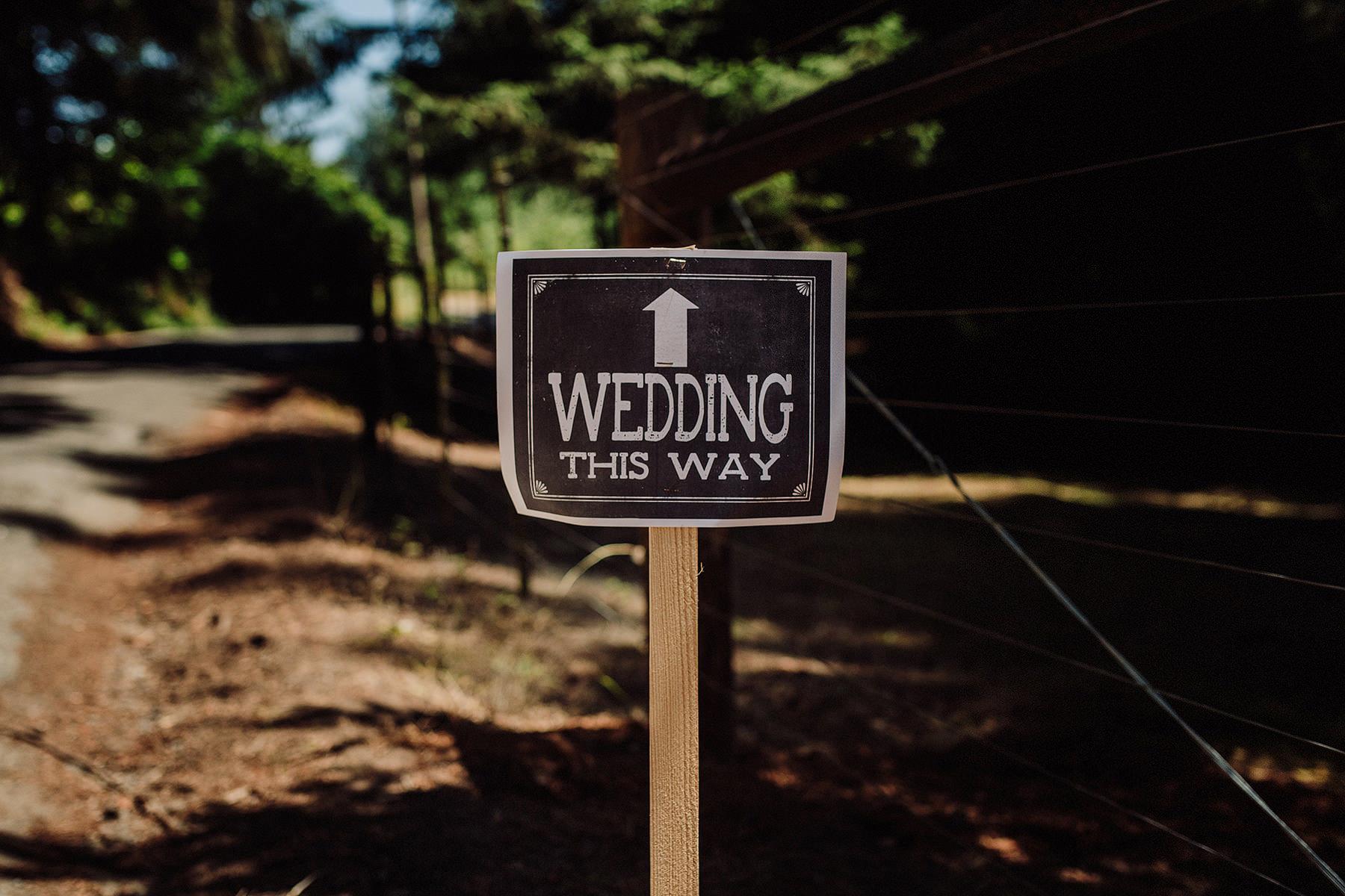 arcata rustic wedding in aldergrove gardens