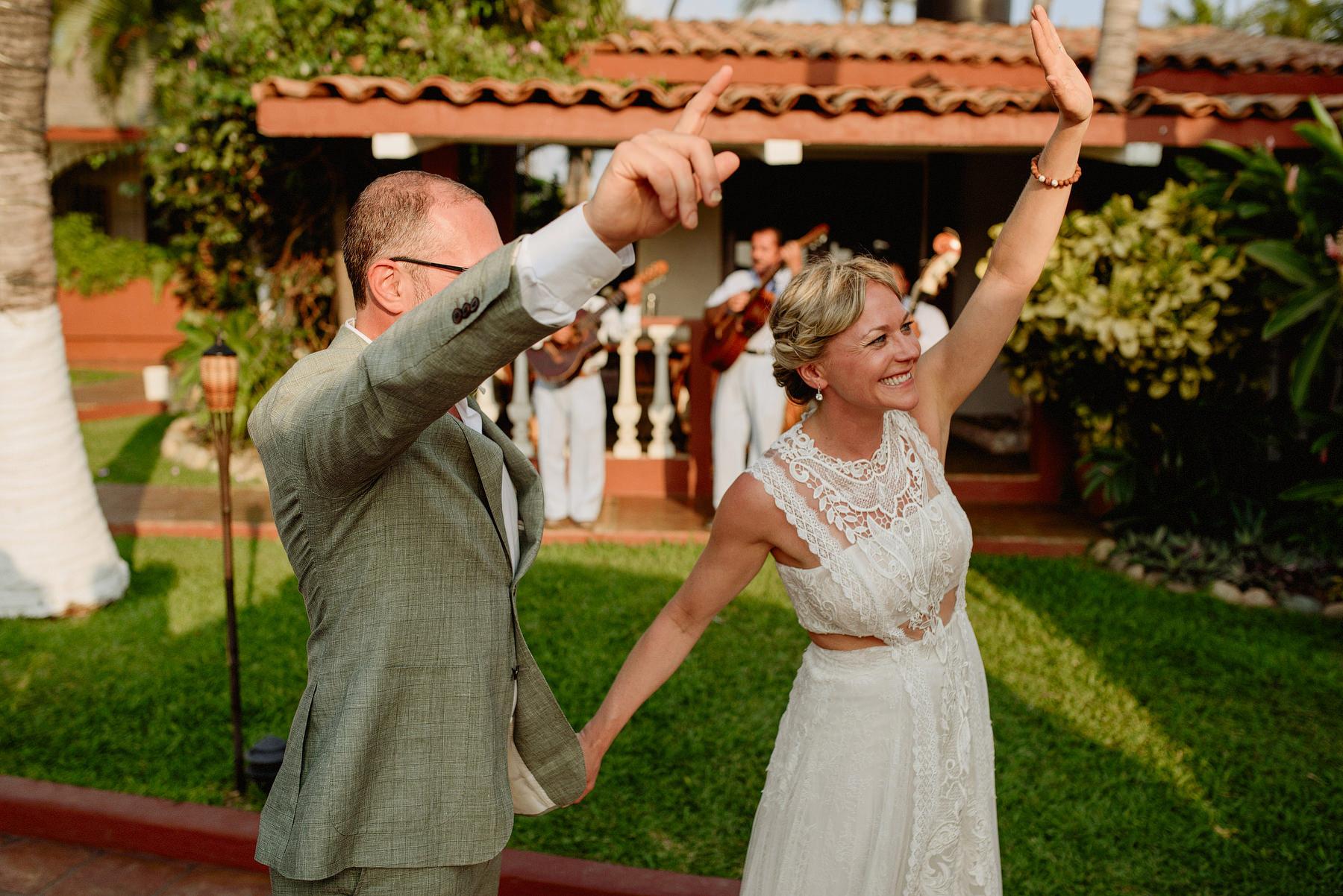 destination wedding in puerto escondido