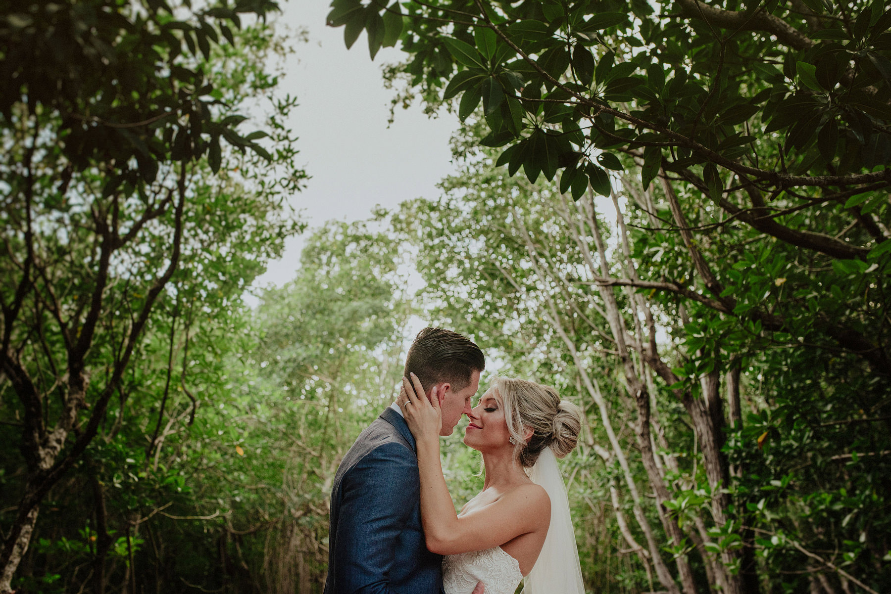 intimate wedding in azul fives